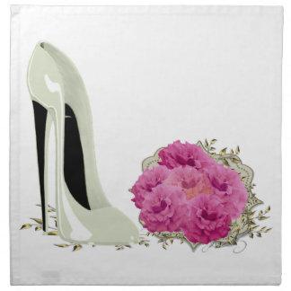 Stiletten skor konstservetter tygservett