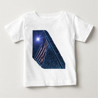 Stilla sken för old glory ljust t-shirts