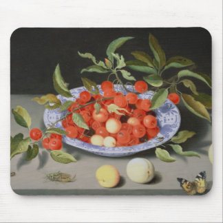 Stilleben av körsbär och persikor musmatta