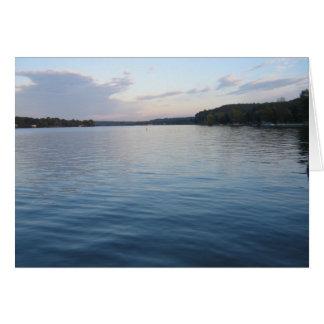 Stillsam sjö hälsningskort