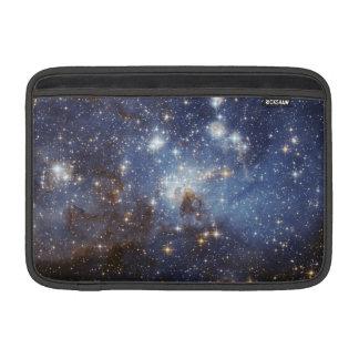 Stjärna-Bilda regionLH 95 i den stora Magellanicen MacBook Air Sleeve