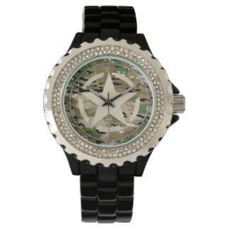 Stjärnan stencilerar märkrestildekal på Camo stil Armbandsur