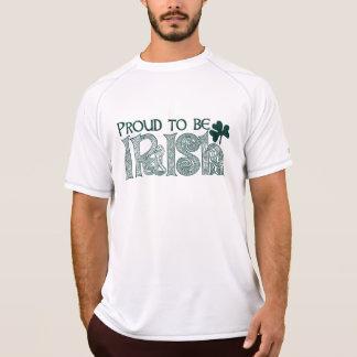 Stolt att vara irländskt, Celtic fnurra för st Tshirts