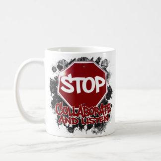 Stopp! Samarbeta och lyssna Kaffemugg