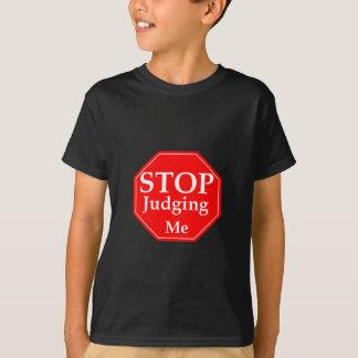Stoppa att bedöma tshirts