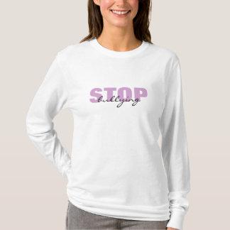 Stoppa att trakassera den purpurfärgade enkla t-shirt