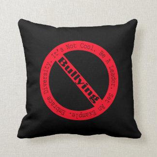Stoppa Pennalism-Logotypen av Shirley Taylor Kudde