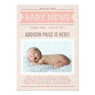 Stor flicka för nyheternafödelsemeddelande   anpassade inbjudningskort