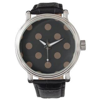 Stor polka dots - kaffe på svart armbandsur