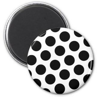 Stor vit och svart polka dots magnet