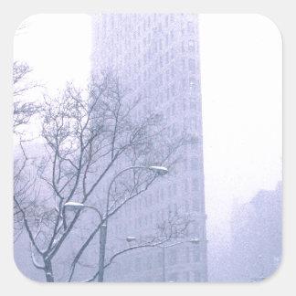 Storm New York för Flatiron byggnadsnö Fyrkantigt Klistermärke
