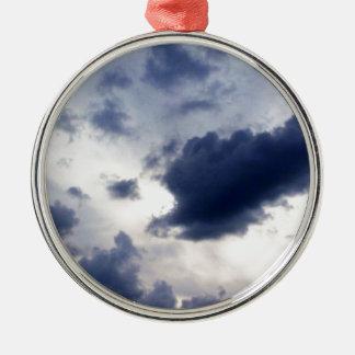 Stormen fördunklar på Horizon.jpg Julgransprydnad Metall