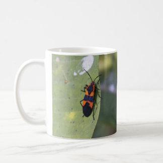 Stort Milkweedkryp Kaffemugg