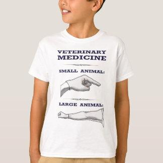 Stort och litet djurt veterinär- humoristiskt t-shirts