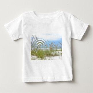 Strand beskådar tee shirt