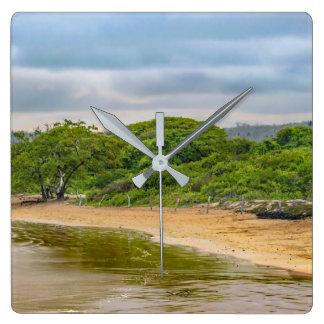 Strand för El Garrapatero, Galapagos, Ecuador Fyrkantig Klocka