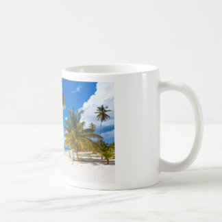 Strand i den Saona Dominikanska republiken Kaffemugg
