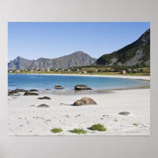 Stranden på Ramberg är berömd för dess vit Poster