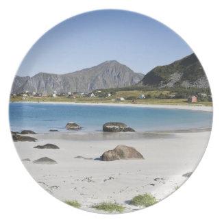 Stranden på Ramberg är berömd för dess vit Tallrik