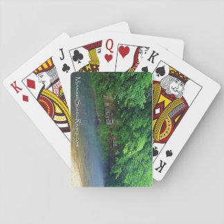 Strömflodjackar dela sig att leka kort spelkort