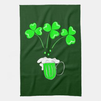 Sts Patrick dag hemligheten av att brygga anpassni Kökshandduk
