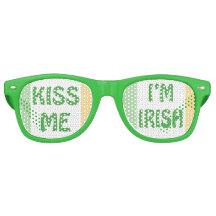 Sts Patrick dag kysser mig I-förmiddagen som det Party Glasögon