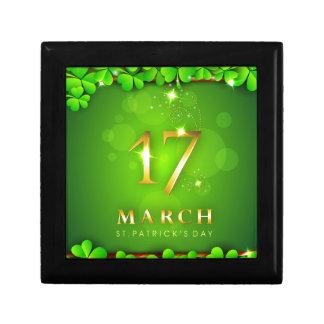 Sts Patrick dag med klöver och sparkles Minnesask