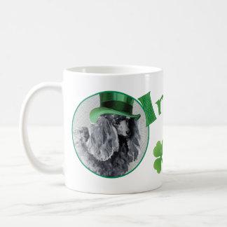 Sts Patrick pudel för dagminiatyr Kaffemugg