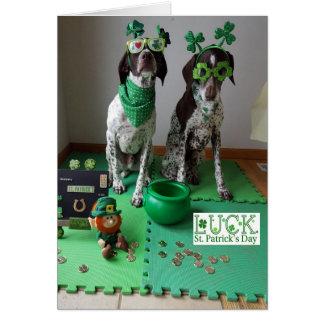 Sts Patrick redo för daghundar som festar kortet Hälsningskort