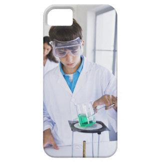 Student som gör vetenskapsexperiment 2 iPhone 5 hud