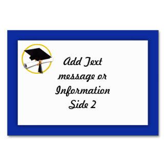 Studentmössa w/Diploma - Mörk - blåttbakgrund Bordsnummer