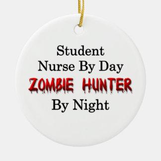Studentsjuksköterska/Zombiejägare Rund Julgransprydnad I Keramik