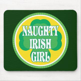 Stygg irländsk flicka musmatta