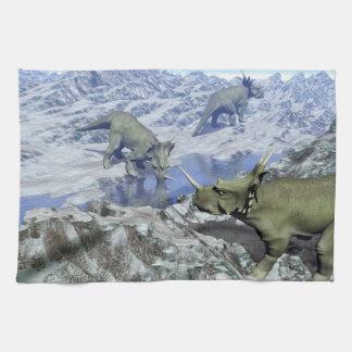 Styracosaurusen nära vatten 3D framför Kökshandduk