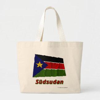 Südsudan Fliegende Flagge mit Namen Tote Bags