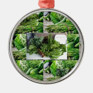 Sund grön lövrik cuisine för grönsaksalladkockar julgransprydnad metall