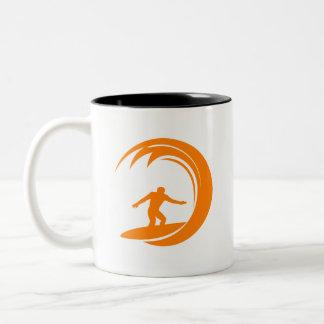 Surfa för orange och för vit Två-Tonad mugg