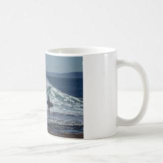 Surfar upp kaffemugg