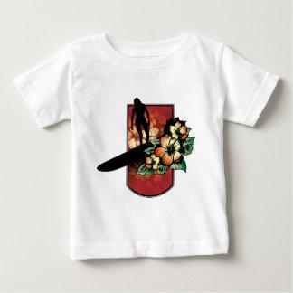 Surfare med tropisk blommadesign t shirts