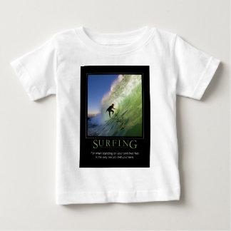 Surfing_Demotivational affisch T Shirts