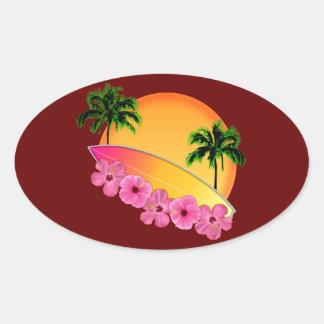 Surfingbräda- och hibiskusblommor ovalt klistermärke
