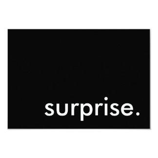 surprise. 8,9 x 12,7 cm inbjudningskort