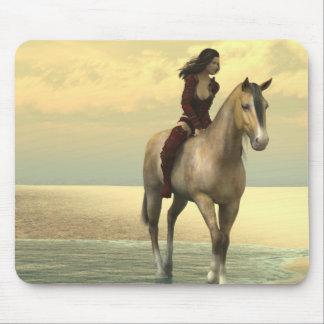 Surreality - flicka på en häst musmattor
