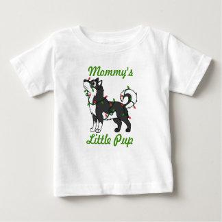 Svart alaskabo Malamute med julljus Tee Shirts