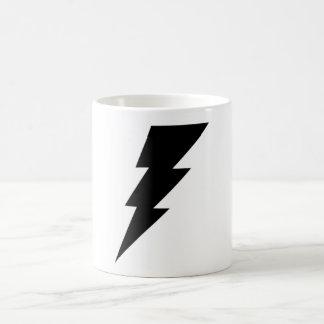 Svart blixt kasta i sig kaffemuggen! kaffemugg