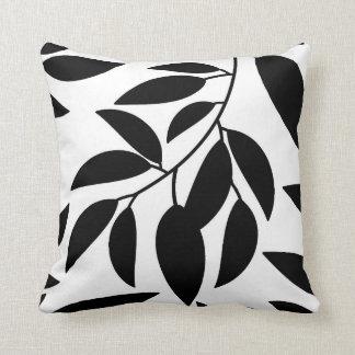 Svart dekorativ kudde för vitlövSilhouette