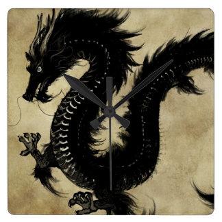 Svart drake fyrkantig klocka