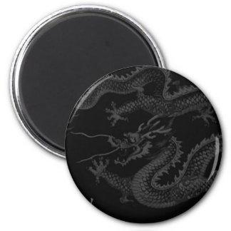 svart drake magnet rund 5.7 cm