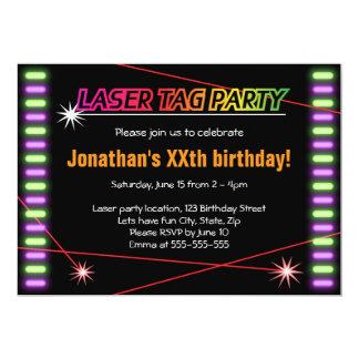 Svart för coola för laser-märkrefödelsedagsfest 12,7 x 17,8 cm inbjudningskort