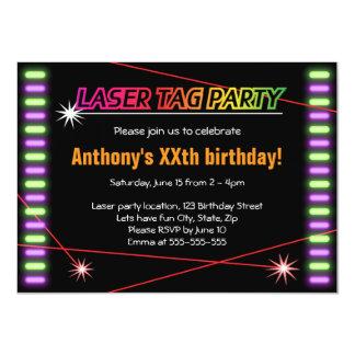 Svart för coola för laser-märkrefödelsedagsfest 11,4 x 15,9 cm inbjudningskort